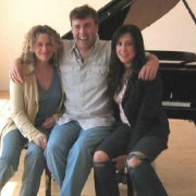 Carole and Vanessa pose with InStyle photographer Jim Wright. Photo by PRP